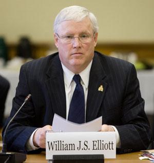 Elliott-cp-6592144